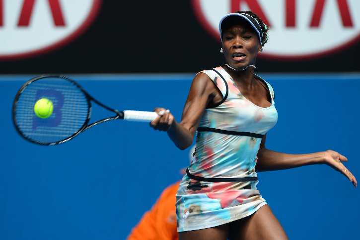 This is a first: I like Venus' dress (1/2)